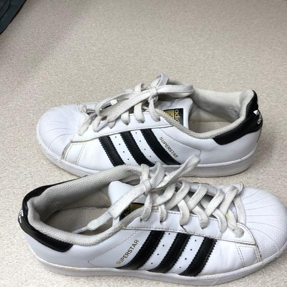 6974e4ec4af27 Adidas Size 7 Stan Smith Superstar shoes $13